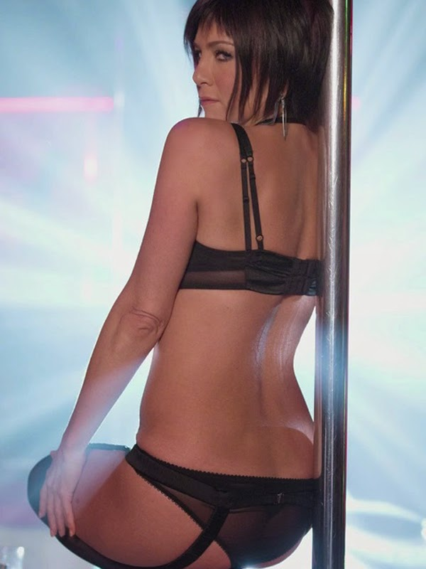 jennifer aniston thong