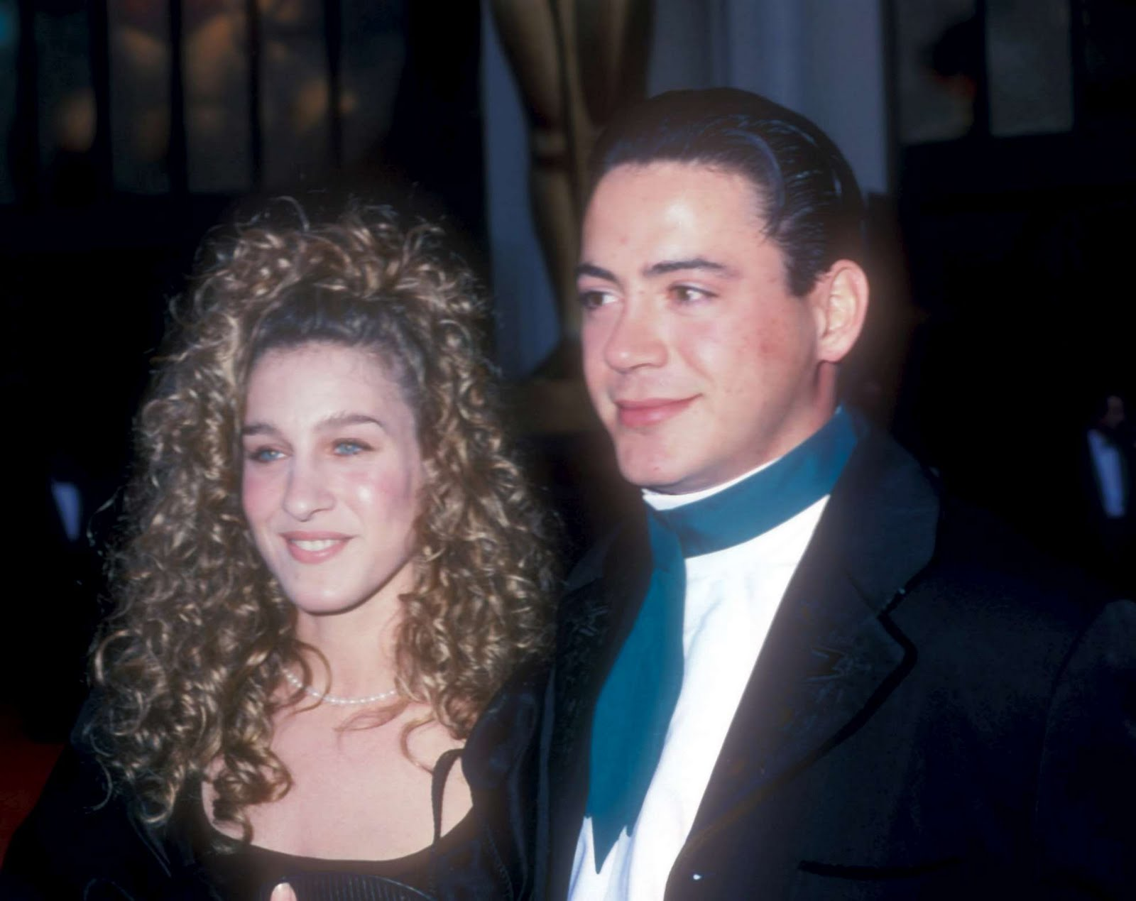 http://4.bp.blogspot.com/-locAUniIug4/TWWHXVunpzI/AAAAAAAADIY/ldxv7795neI/s1600/61st-Annual-Academy-Awards-29th-March-1989-robert-downey-jr-14101340-1974-15661989.jpg