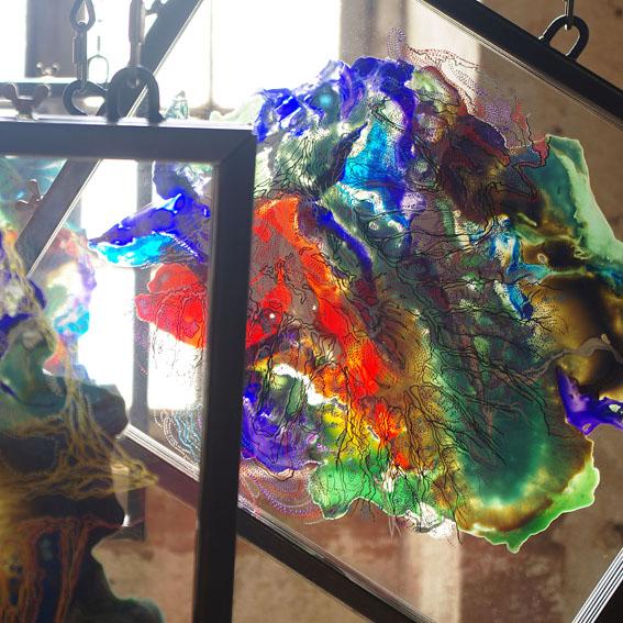 Détail de l'installation 'Scoliosis', exposition 'Les envolées', abbaye de Moyenmoutier.