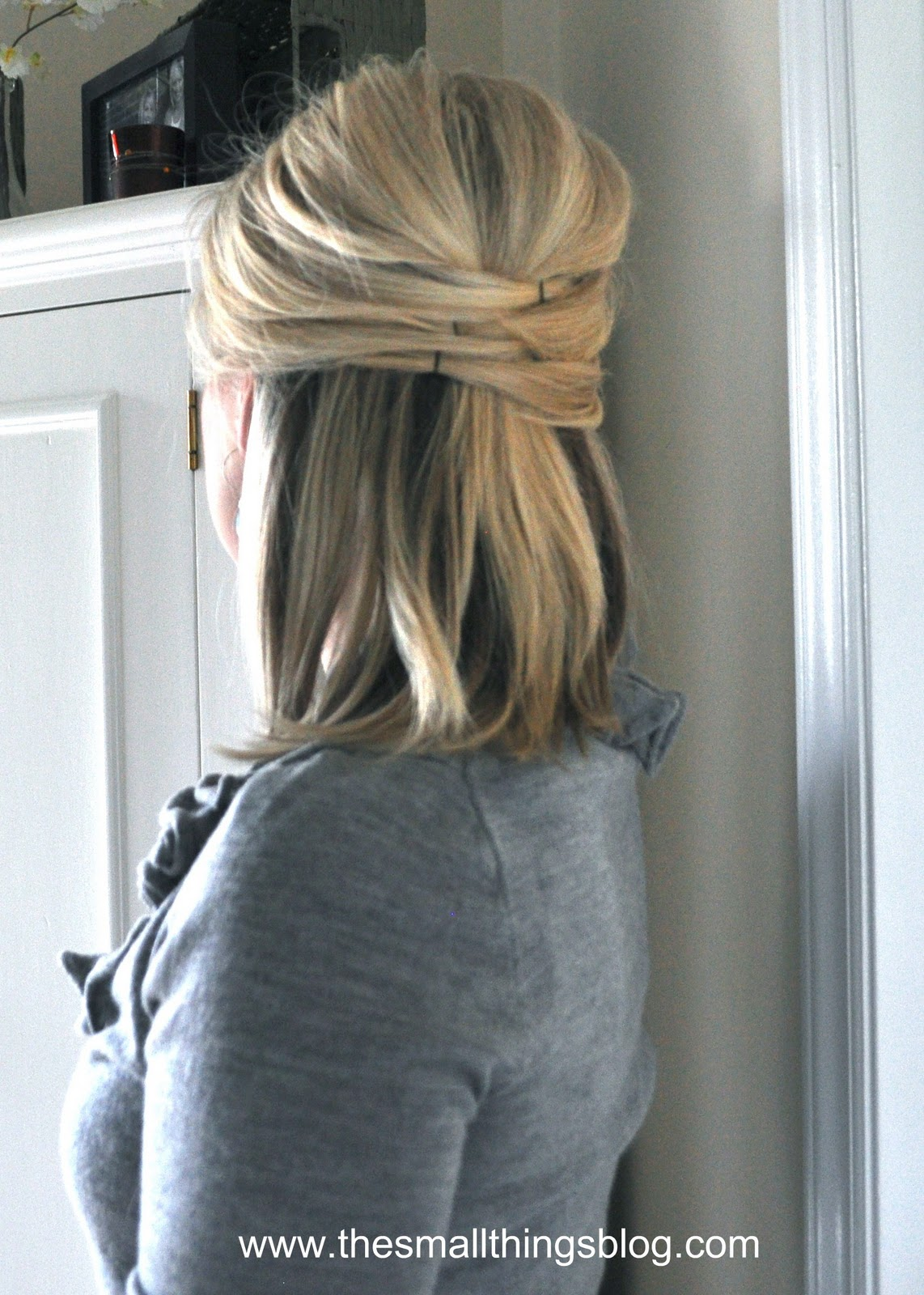 Elegant wedding hairstyles for short hair - Elegant Half Up