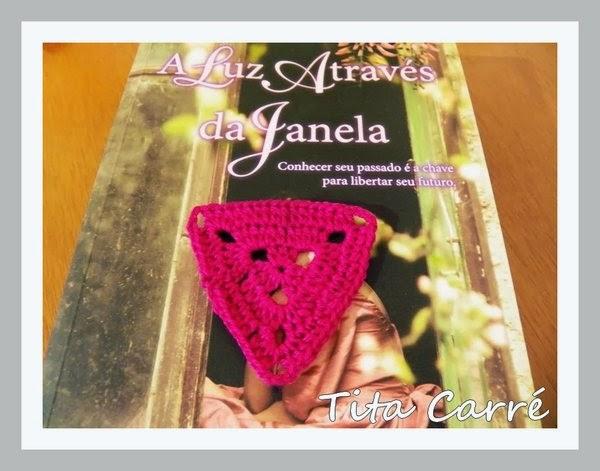 Triângulo Pink e a luz através da Janela