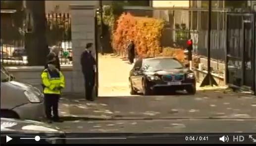 موقف محرج : سيارة الرئيس أوباما الخارقة تتعطل عند مطب بسيط