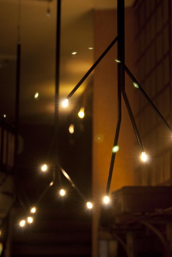 Monroy proyectos iluminaci n dise o de l mparas lago - Iluminacion de bares ...