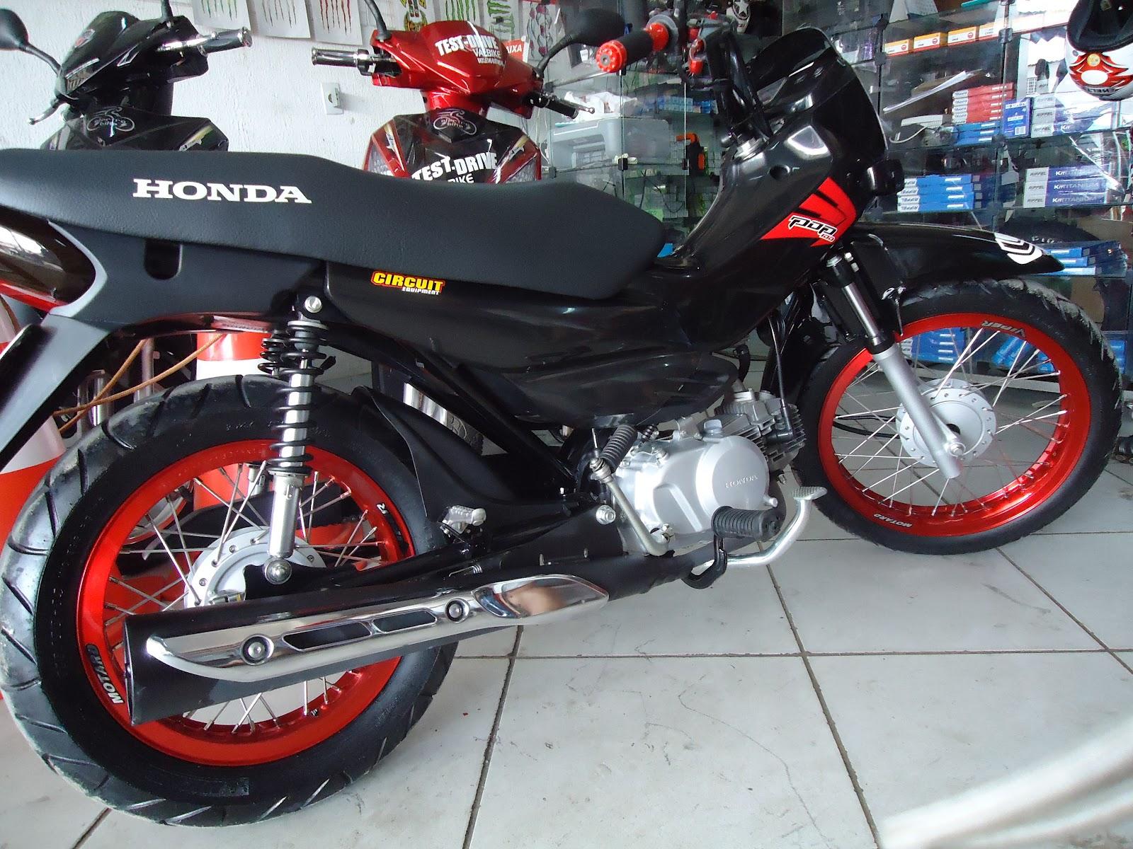 Honda Pop 100 2009: econômica e fácil de pilotar