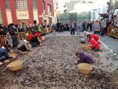 Plegadors d'olives, a la Fira de l'Oli de Jesús