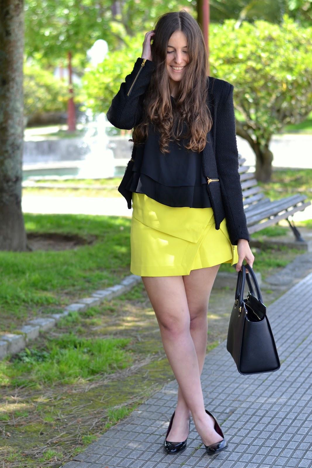 Combinar falda amarilla