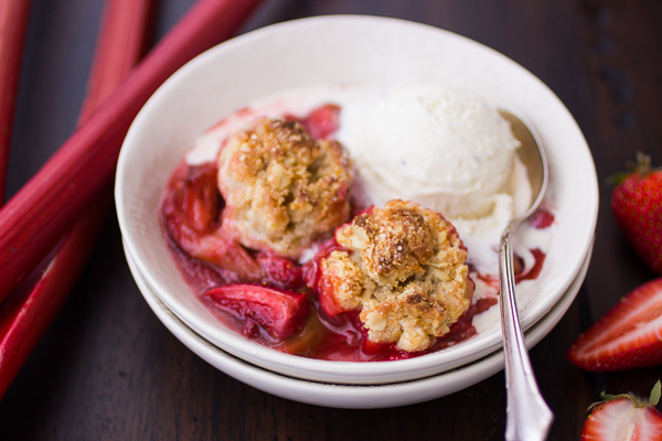 strawberry+rhubarb+cobbler-17.jpg