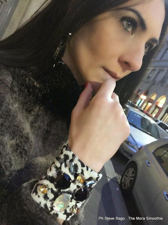 themorasmoothie, fashion, fashionblog, fashionblogger, mfw, milano fashion week, agata della torre, de scal, veneziani, veneziani bag, gabrieleffe, athenagioielli, ootd, skirt, gonna, gonna bianca, borsa gialla, come abbinare gonna bianca, cuff, swarovski, paola buonacara
