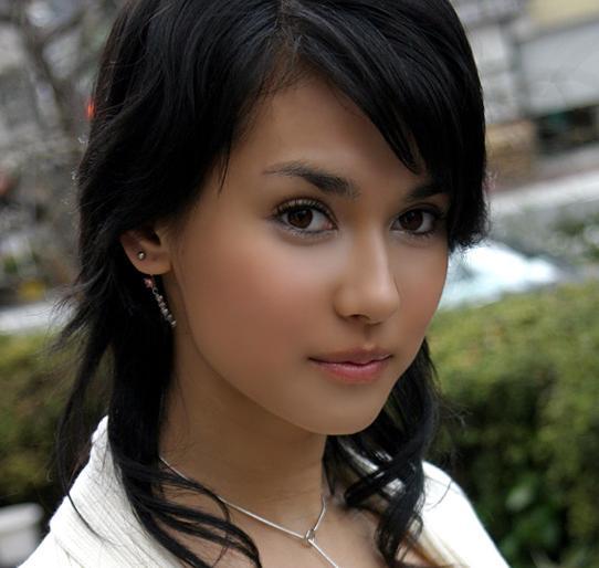 đừng nhìn Maria Ozawa !