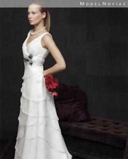 abiti lunghi da sposa molto giovanili