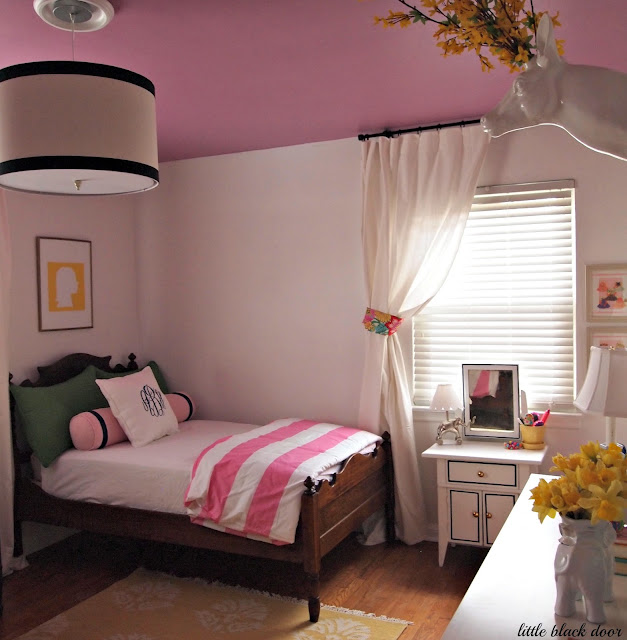 Big Bedrooms For Girls Bedroom Black Feature Wall French Country Bedroom Curtains Bedroom Furniture Clipart Black And White: Sadie + Stella: Favorite Room Feature: Little Black Door