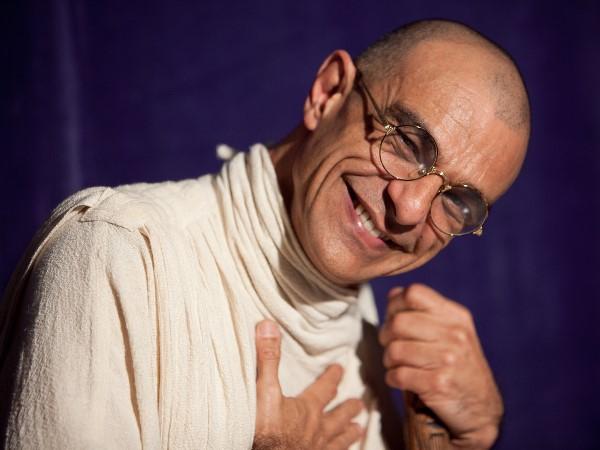 Monólogo 'Gandhi, um líder servidor' em Campina Grande
