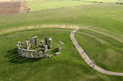 diaforetiko.gr : stonehenge 10 αρχαιολογικά μνημεία που καλύπτονται από πέπλο μυστηρίου…