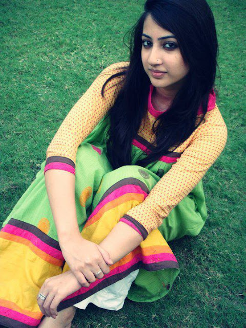 desi beautiful hot Pakistani girls images
