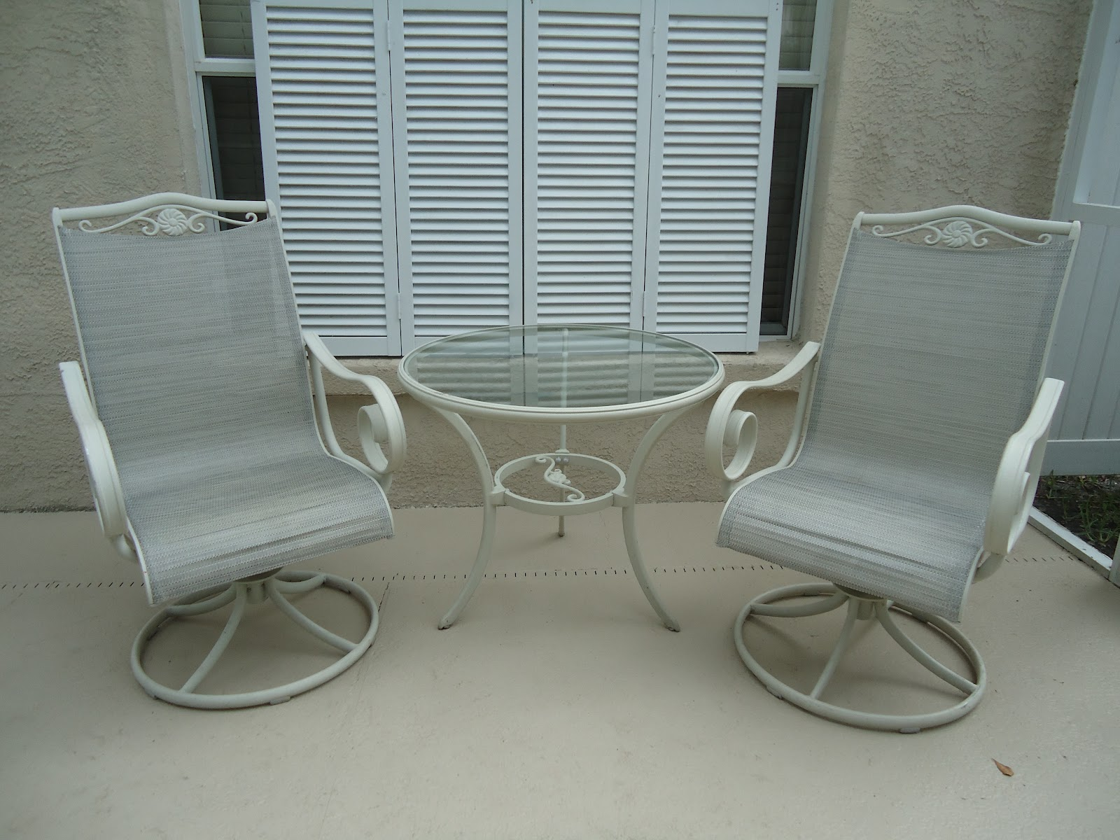 Compainted Outdoor Furniture : Perfectly Crazy Life: Painted Patio Furniture