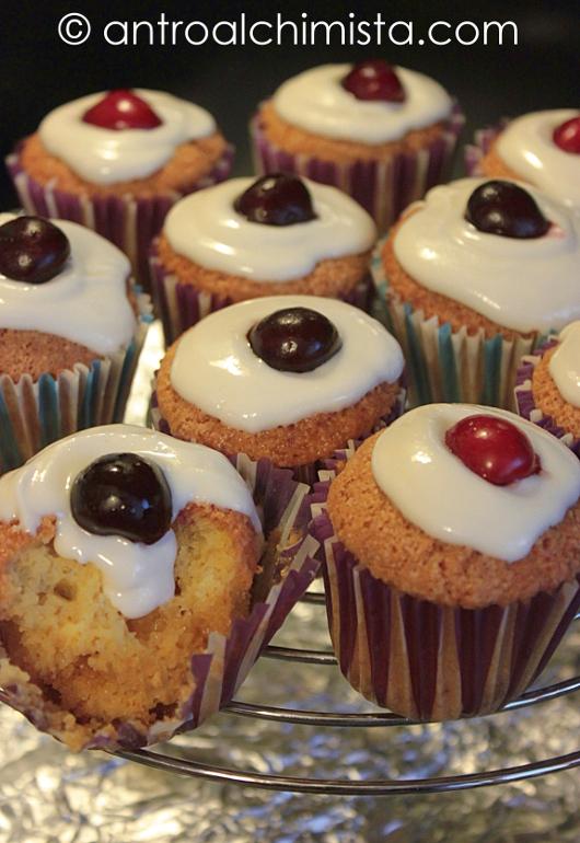 Muffins con Latte di Soia e Gocce di Cioccolato Bianco