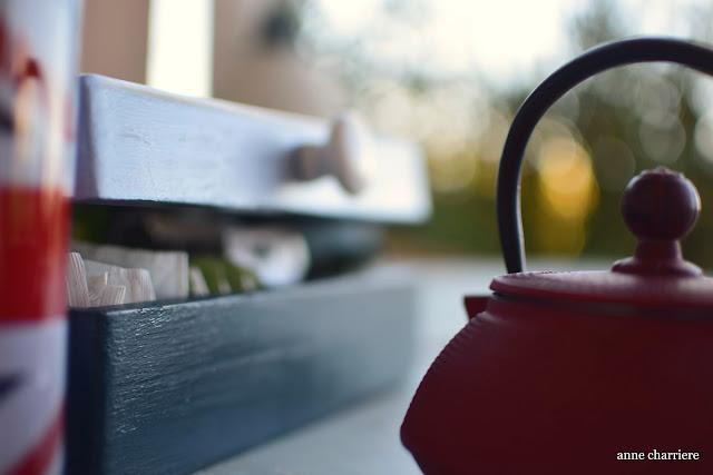 www.annecharriere.com, caja para bolsas de té, infusiones, pintura tiza,
