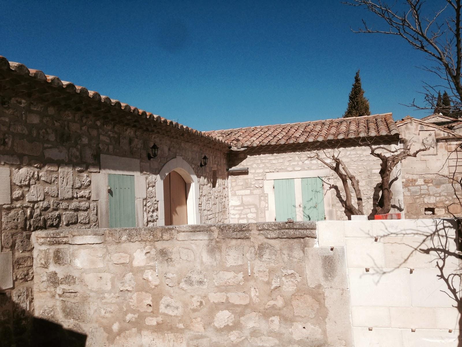 paseo por les baux de provence