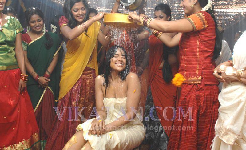 Download Kerala Hot Aunty Bathing Kundi Picture Photography Rainpow