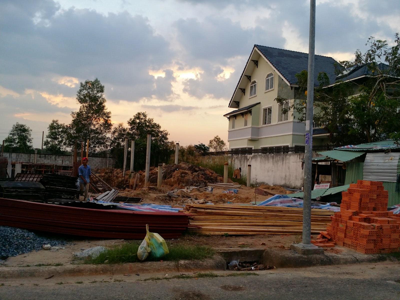 Đất nền ngay vòng xoay Phú Hữu đường vào biệt thự (ảnh 5)