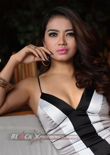 Download Koleksi Photoshoot Sendy Mamahit in BLACK Xperience | www.insight-zone.com