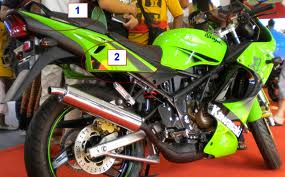 Perbedaan Ninja RR dan Ninja SE 150 R 2012