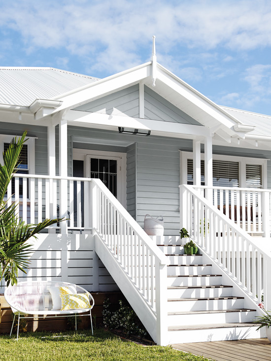 Coastal style queensland beach house style for Beach style house exterior