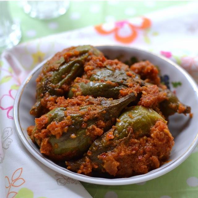 Spicy Eggplant Curry (Vankaya Masala kura)