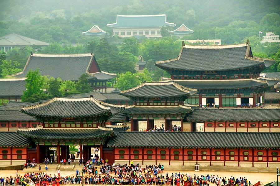 isatana-gyeongbok-korea
