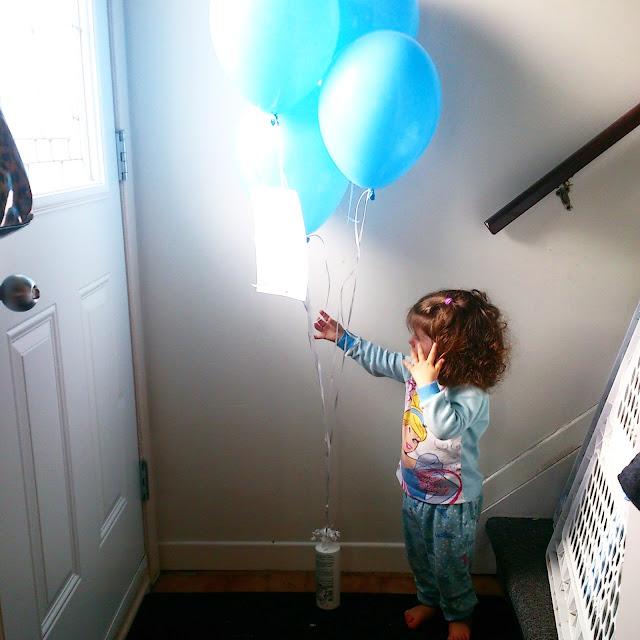 #Partagezunballonbleu: De l'eczéma et des peaux sensibles ça existent chez la famille Radieuse.