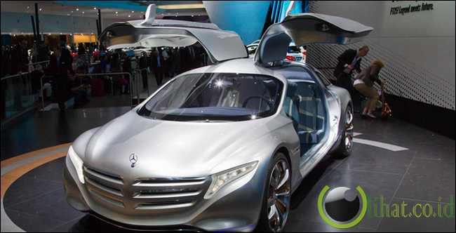 Mercedes Benz F-125
