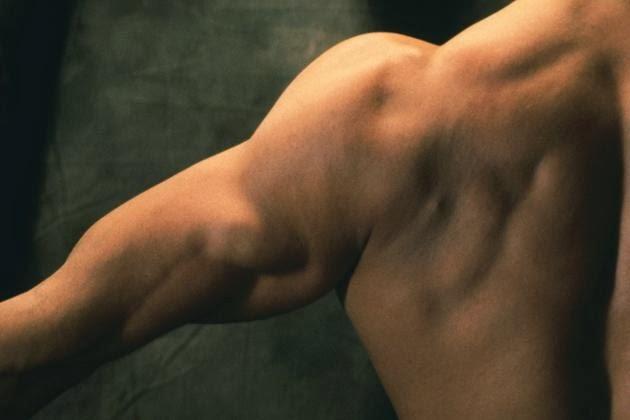 Shoulder exercises with dumbbells2