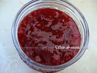 Geleia de morango com açúcar demerara