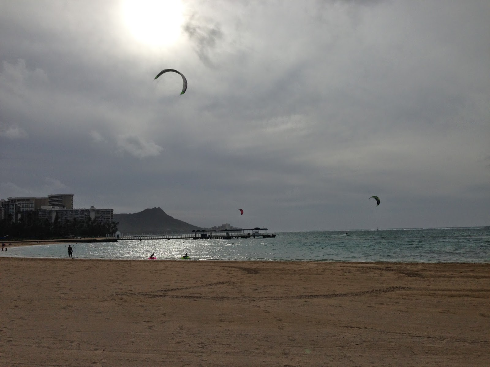 kite surfing waikiki
