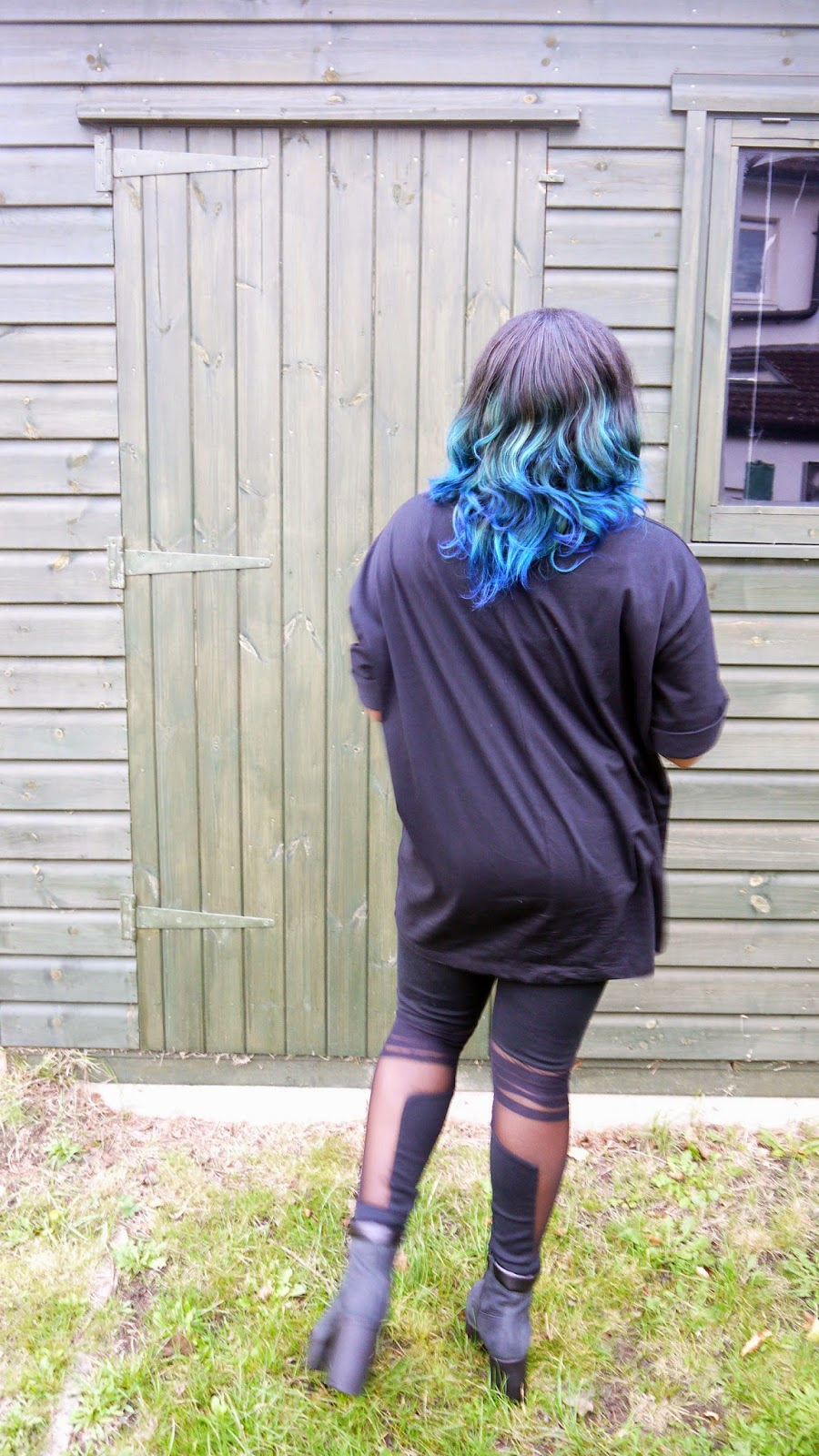 La Mode D'Emm Black ASOS Oversized T-Shirt Mesh Panel Topshop Leggings New Look Chunky Cleated Black Boots