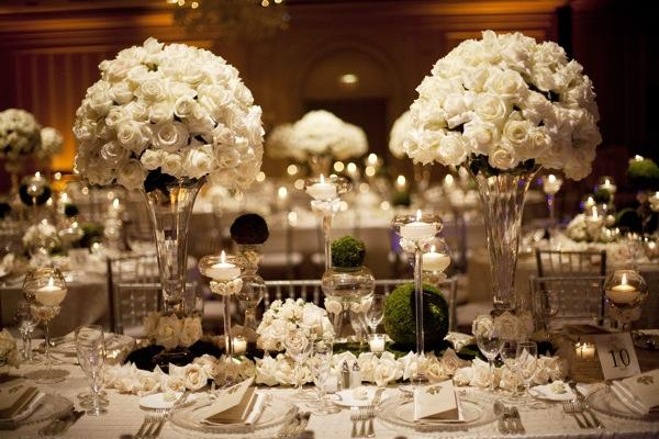 decoracao de casamento que esta na moda:White Wedding Table Scape