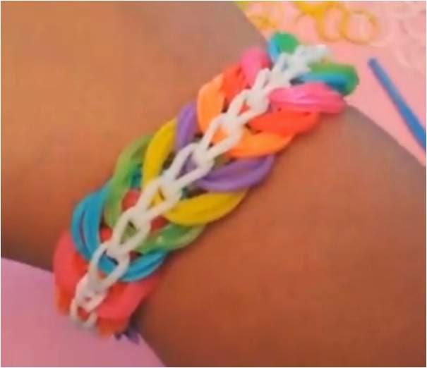 Cómo hacer una pulsera de gomas tipo triple cadena