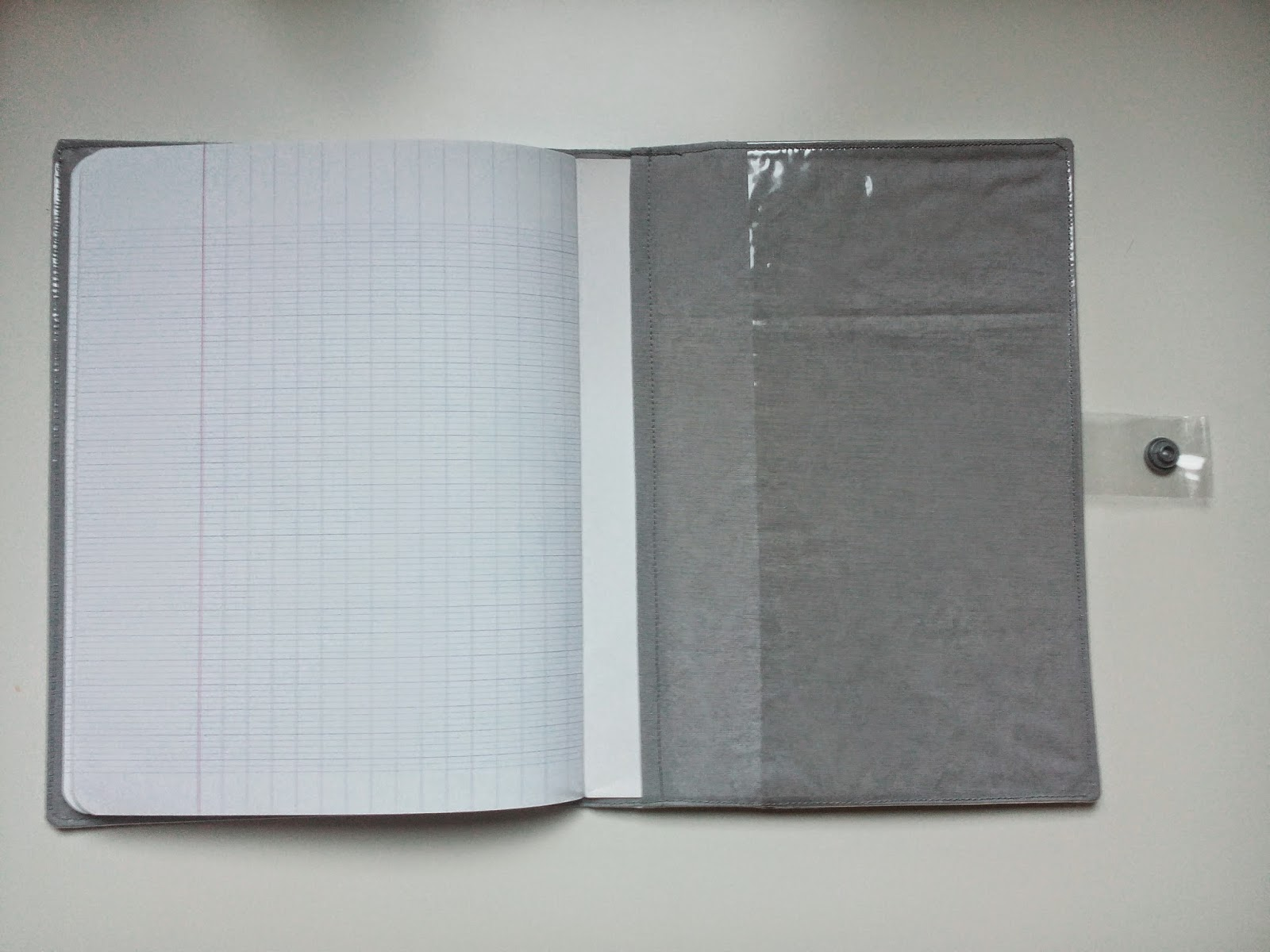 cahier pochette plastique