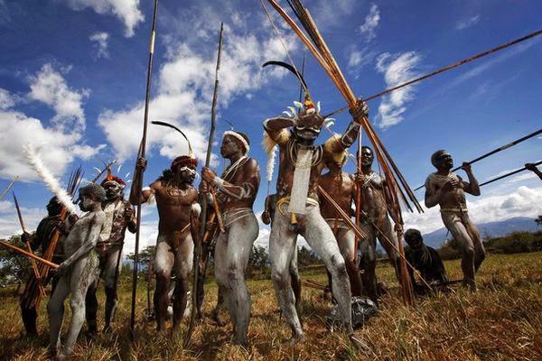 konflik etnis A latar belakang kalimantan barat adalah daerah yang kerap mengalami konflik antar etnis konflik-konflik ini telah terjadi sejak puluhan tahun lalu.