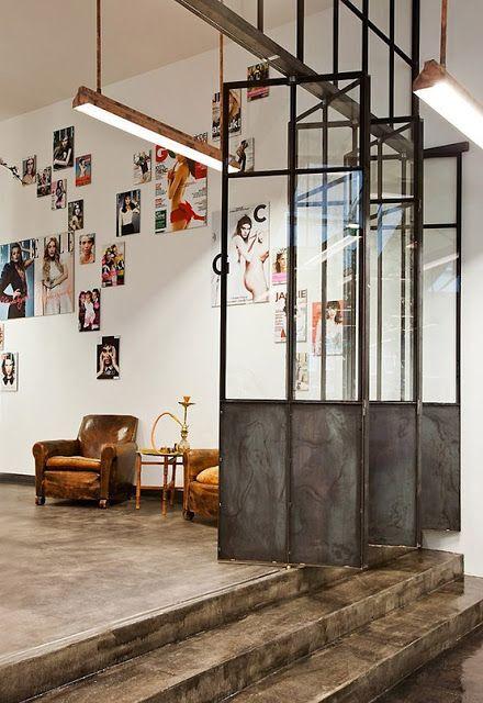 Interior relooking separare gli spazi con il vetrocemento for Pareti per dividere una stanza