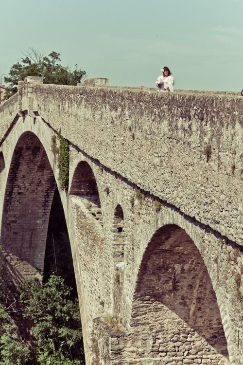 A Strong and Silent Husband – Australian Woman Marries a Bridge in Southern France