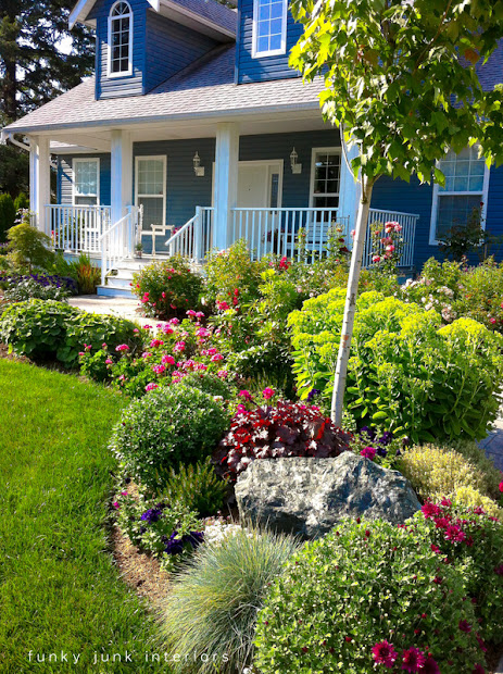 cute mailboxes and garden features