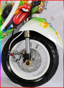 Gambar Foto Modifikasi Honda Scoopy2.jpg