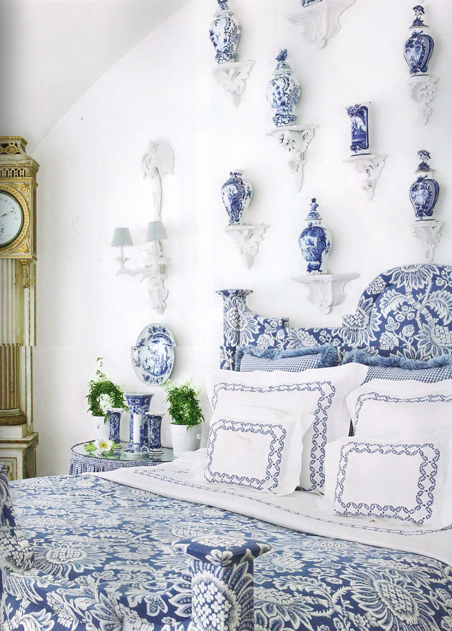 Chinoiserie Chic Blue and White Chinoiserie