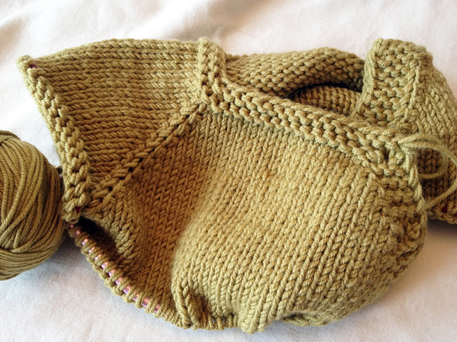 KATE PRESTON HANDKNITS /BLOG: On my needles: The Puerperium Baby Cardigan