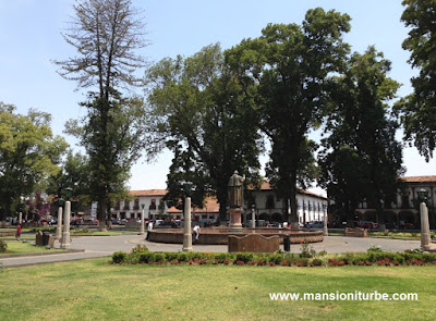 Main Square in Pátzcuaro: Plaza Vasco de Quiroga