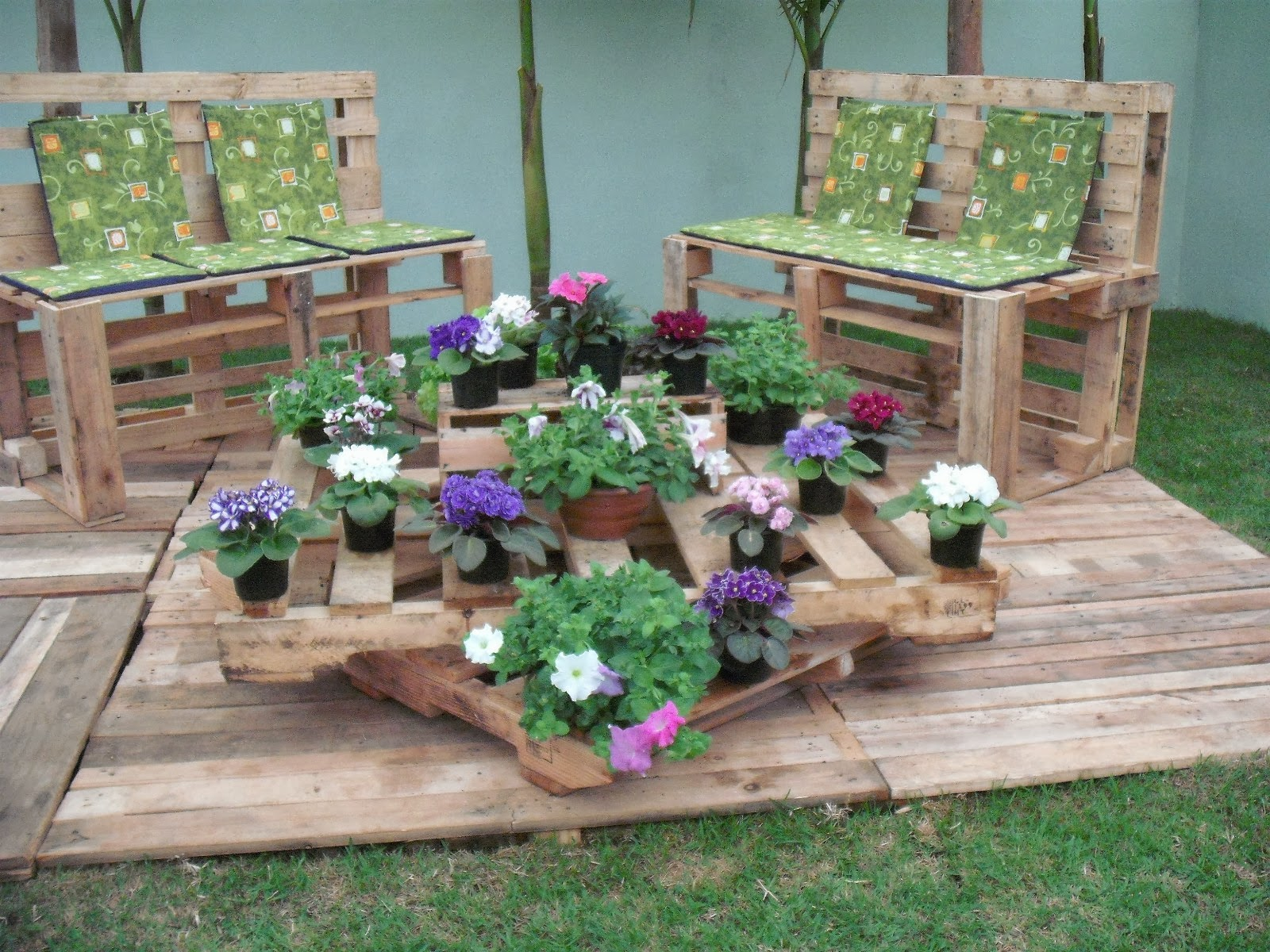 Como cultivar Orquideas -> Decoração De Jardim Com Material Reciclavel