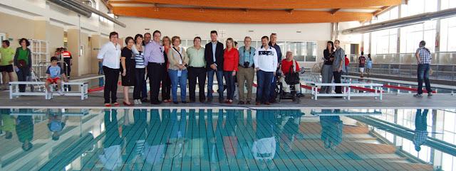 Hu tor vega estrena una piscina municipal cubierta for Piscina municipal cubierta