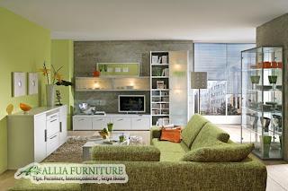 Ruang tamu nuansa alami dengan furniture minimalis