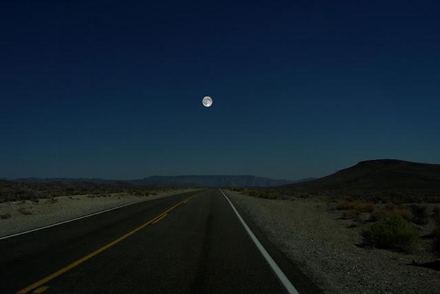 Ron Miller - La Luna